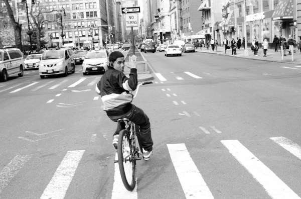 A Photographic Survey of NYC Cycling by Chris Henry